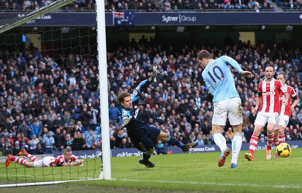 Asmir+Begovic+Manchester+City+v+Stoke+City+F5Cam7z3BnBl