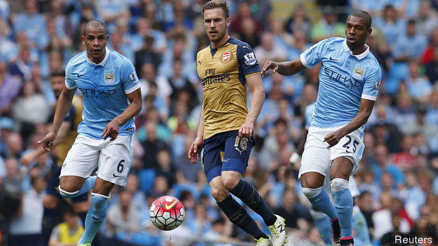 manchester_citys_fernando_and_fernandinho_in_action_with_arsenal_146205